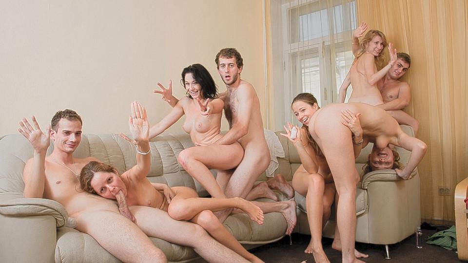 Студенческий групповой секс видео 9